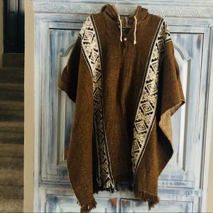Sisandina 100% Wool Ecuadorian Hooded Cape
